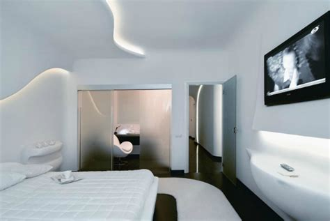 futuristic decor interior design ideas 26 futuristic bedroom designs decoholic