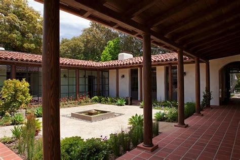 houses with courtyards in the middle historic adobe modern architecture adobe wings and