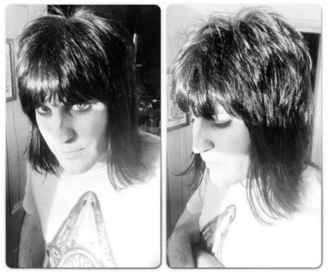 rocker shag haircuts british rocker shag mullet haircut on noel fielding hair