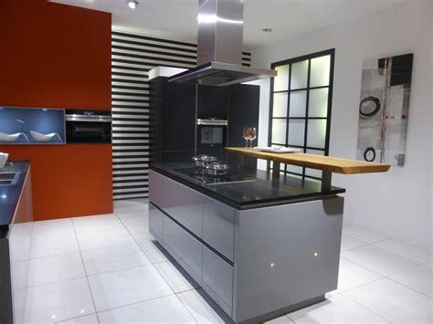 moderne küche kaufen wohnzimmer rot grau