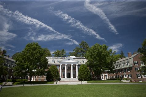 Dartmouth History Major New York Mba by Tuck School Of Business In A Class Of Their Own
