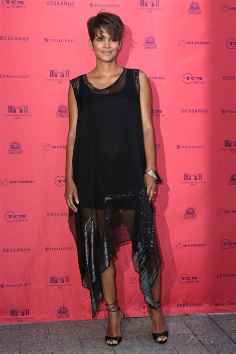Best Maternity Style Halle Berry by Halle Berry Maternity Dress Halle Berry Clothes Looks