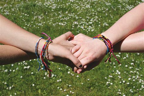 5 Gelang Persahabatan 5 ide hadiah spesial dan berkesan untuk sahabat tersayang