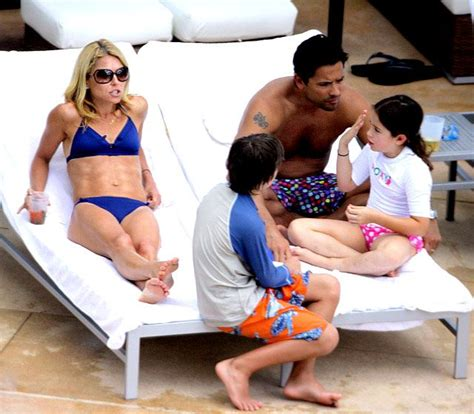 spotted kelly ripa and kids drink up moms babies celebrity 1000 ideas about kelly ripa family on pinterest kelly