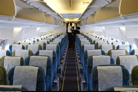 boeing 737 cabin boeing 737 760 airlines aviation photo