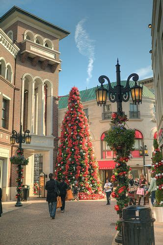beverly hills christmas lights christmas decorations rodeo drive beverly hills ca