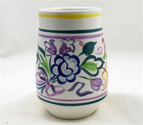 Poole Pottery Vase Patterns by Poole Pottery Painted Traditional Vase In The Bn Pattern