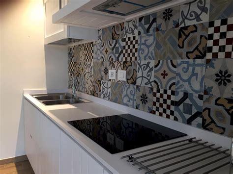 piastrelle siciliane cucina dal sapore contemporaneo e cementine siciliane on