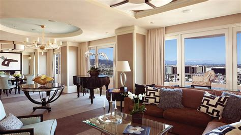 The Living Room East Hton by Four Seasons Los Angeles Beverly Suite