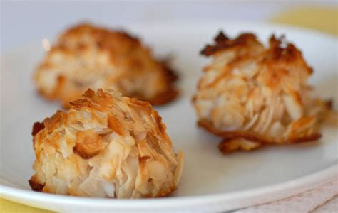Pantry Dessert Recipes by Low Sugar Paleo Coconut Macaroons Recipe Elana S Pantry