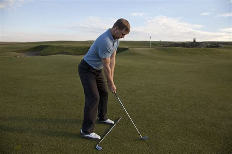 golf swing how to use your legs with a golf swing golfweek