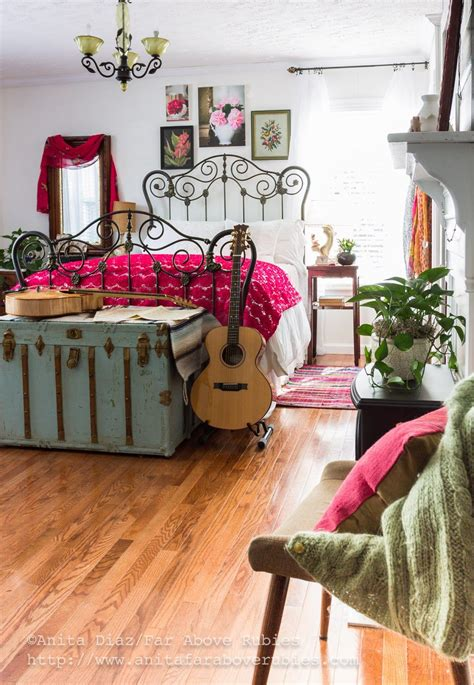 boho inspired bedroom boho inspired bedroom i love the iron bed and the trunk