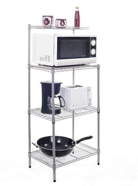 estanteria del almacenaje de la cocina de  estantes