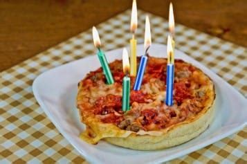 get leap day birthday freebies at pizza hut and olive garden