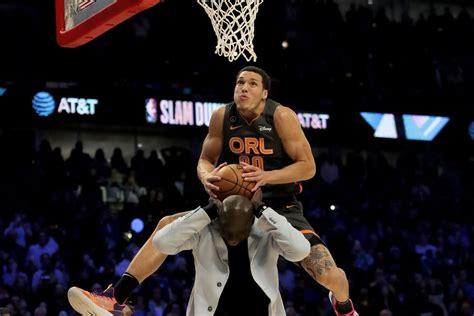 aaron gordon    robbed   slam dunk