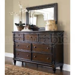 Key Town Canopy Bedroom Set Key Town Canopy Bedroom Set Millennium Furniturepick