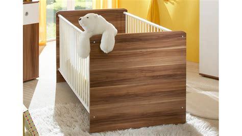 Babybett Am Bett by Babybett Wiki Babyzimmer Gitterbett Bett Walnuss Und Wei 223
