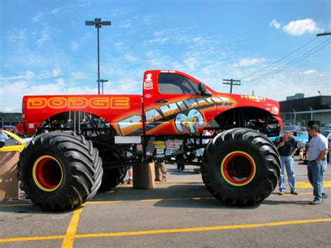 video de monster truck monster fotos de carros