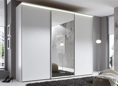 schiebe kleiderschrank mit spiegel kleiderschrank wei 223 schiebet 252 ren spiegel tesoley