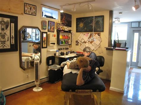 tattoo equipment shop london tattoo shop tattoo studio pinterest lojas loja de