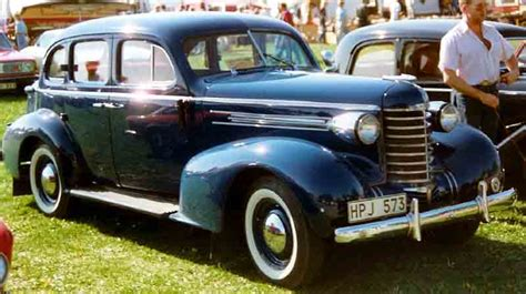 Four Door Sedan by File Oldsmobile Six 4 Door Touring Sedan 1937 Jpg