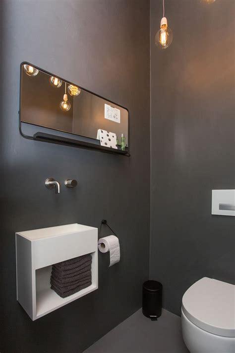 simple  efficient tips    clean  bathroom
