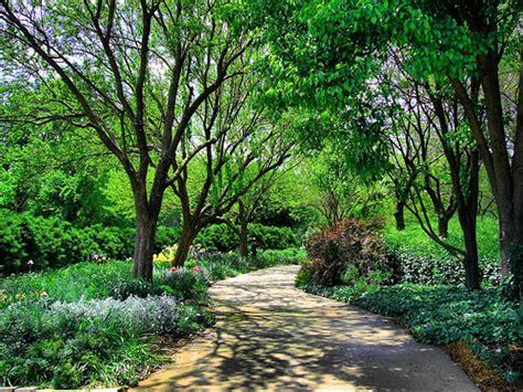 botanical gardens wichita ks botanical gardens wichita neil wichita wedding