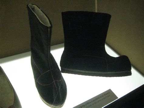 korean shoes file korean traditional s winter shoes jpg wikimedia