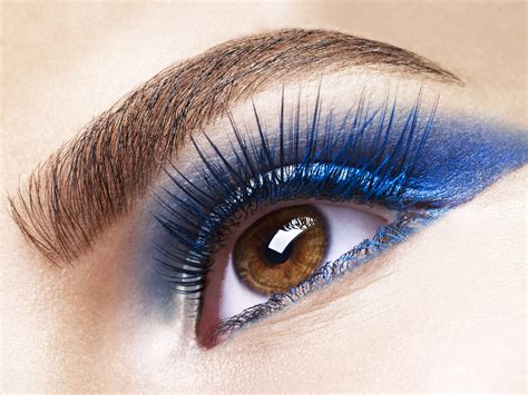 Eyeshadow Blue this bold makeup look is for a out health
