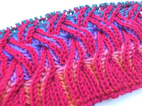 brioche knitting with two colors how to knit rainbow cowl with two color brioche stitch