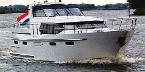 motorboot huren friesland particulier la beaut 233 et la - Motorboot Huren Particulier