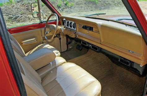 jeep truck interior 1978 jeep j 20 flatbed truck interior photo 79428569