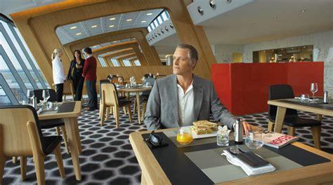 emirates qantas club lounge locations australia sydney international