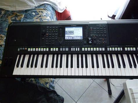 Keyboard Yamaha Psr S750 yamaha psr s750 image 590453 audiofanzine