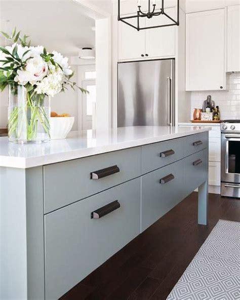 kitchen cabinet handles ideas top 70 best kitchen cabinet hardware ideas knob and pull designs