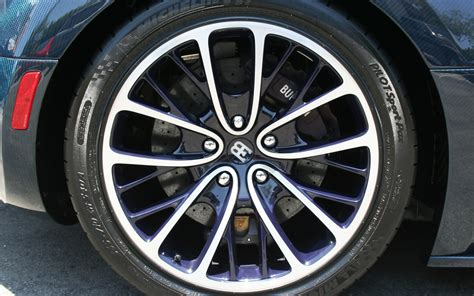 2011 Bugatti Veyron Super Sport Rear Wheel Detail Photo 19