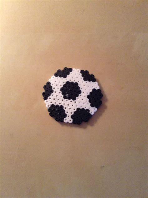 1000  images about strijkkralen voetbal on Pinterest   Perler beads, Soccer and Manchester united