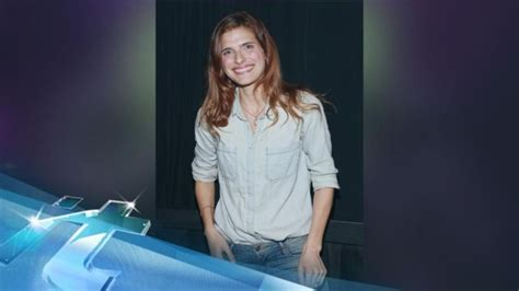 lake bell tattoo lake bell goes dons for new one news