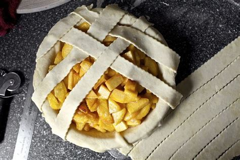 Banana Pie Smitten Kitchen by Weaving A Lid By Smitten Via Flickr Recipes And Yummies
