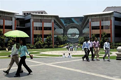 Infosys Onsite Opportunities For Mba In India by Did Infosys Get It Wrong With Its 3 0 Strategy Ibnlive
