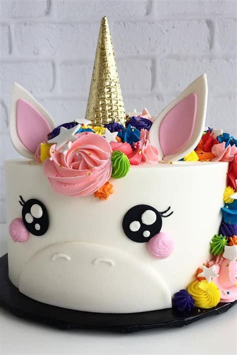 7 Adorable Ways To Decorate A Cake by 25 Best Ideas About Cakes On