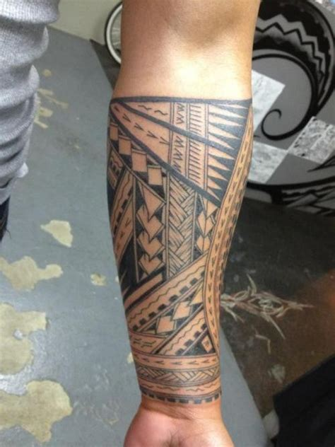 trible tattoos for men great trible black and white otnamented sleeve on
