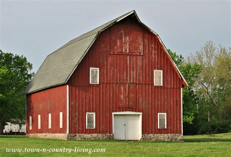 big red barn at leroy oakes forest preserve town
