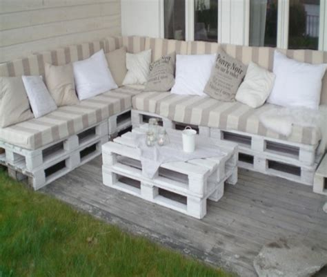 Sofa Palete by 18 Pallets Wood Sofa Ideas Pallet Ideas Recycled Upcycled Pallets Furniture Projects