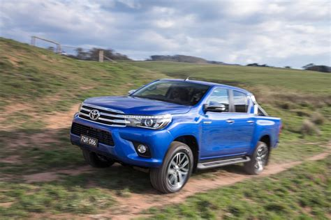 toyota new 2016 toyota hilux debuts with new 177hp diesel 33 photos