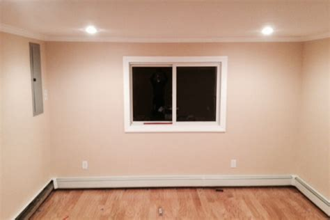 need help finding wall color to compliment oak flooring