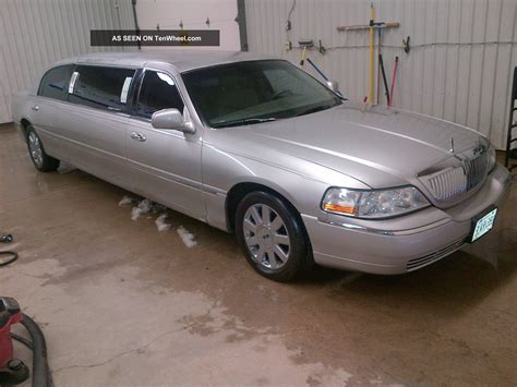 service manual 2003 lincoln town car 4 2003 lincoln town car 4 door sedan for sale in