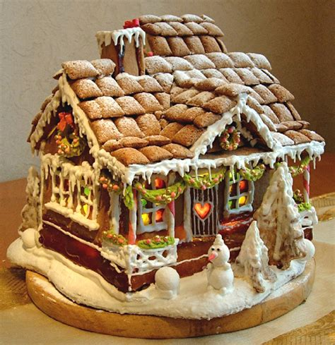 designs for gingerbread houses 38 simple inspiring gingerbread house ideas snappy pixels