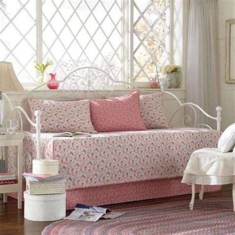 kids daybed comforter sets 25 best ideas about kids daybed on pinterest girls