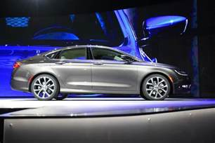 new mid size cars chrysler targets top midsize cars with new 200 cbs news